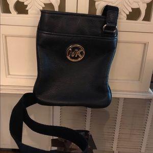 Michael Kors Bags - Michael Kors black leather Crossbody purse